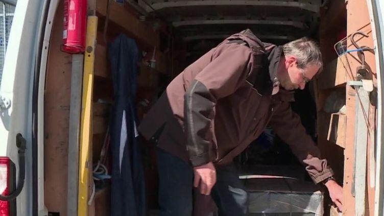 Coronavirus : plombiers, chauffagistes et électriciens restent sur le pont (Capture d'écran France 3)