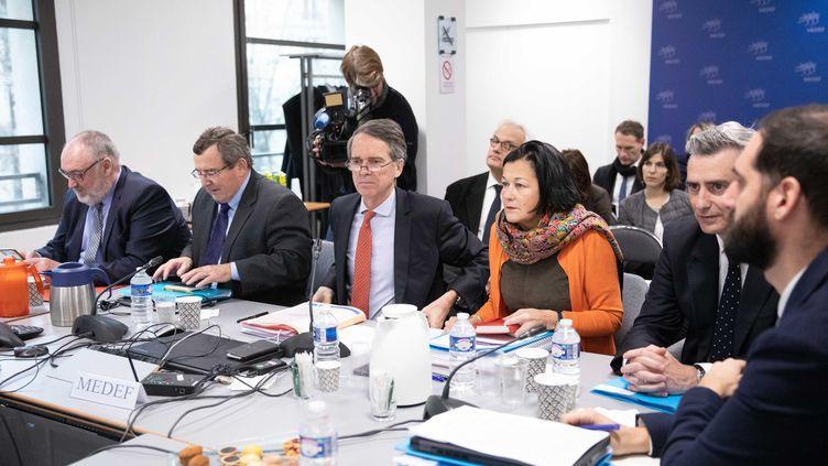 Une séance de négociations entre syndicats et patronat sur la nouvelle convention d'assurance-chômage, le 9 janvier 2019. (MAXPPP)
