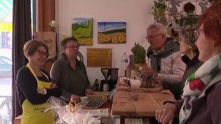 Le village de Thoré-la-Rochette dans le Loir-et-Cher voit ses commerces fermer les uns après les autres. Une association a décidé de prendre à son compte l'épicerie (CAPTURE ECRAN FRANCE 2)
