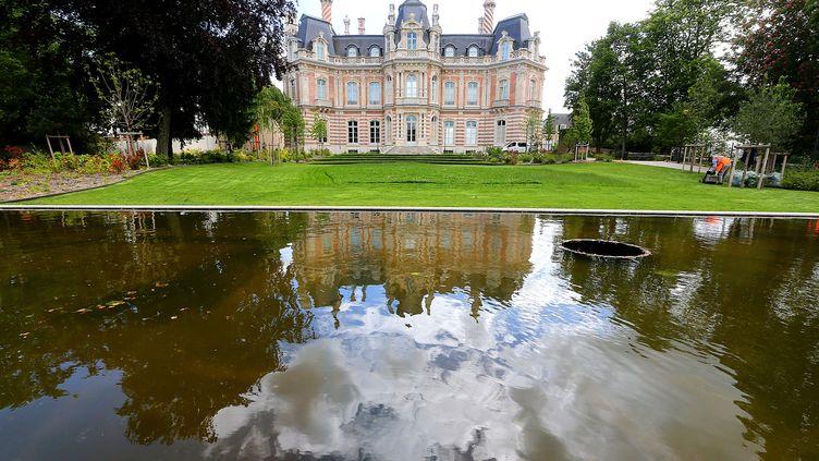 Le château Perrier qui abrite le Muséedu vin de Champagne et de l'archéologie régionale d'Épernay le 25 mai 2021. (FRANCOIS NASCIMBENI / AFP)
