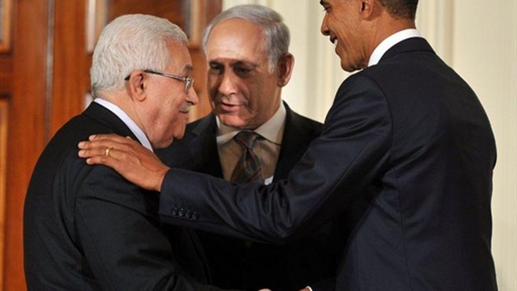 Le président US, Barack Obama, Mahmoud Abbas (G) et Benjamin Netanyahu (C) à la Maison blanche le 01/09/10 (AFP Tim Sloan)