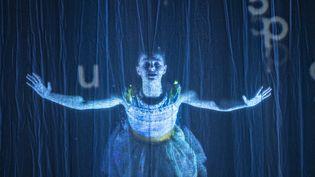 """""""Alice traverse le miroir"""", mise en scèneFabrice Melquiot et Emmanuel Demarcy-Mota au théâtre de la Ville (Jean-Louis Fernandez)"""