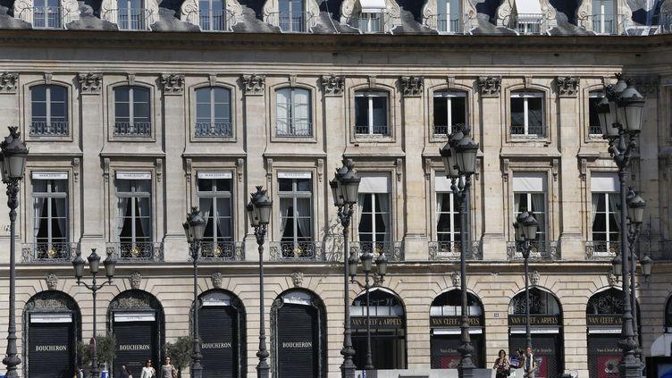 Le quartier de la place Vendôme à Paris est connu pour ses nombreuses joailleries et horlogeries de luxe. (FRED DE NOYELLE/GODONG / PHOTONONSTOP / AFP)