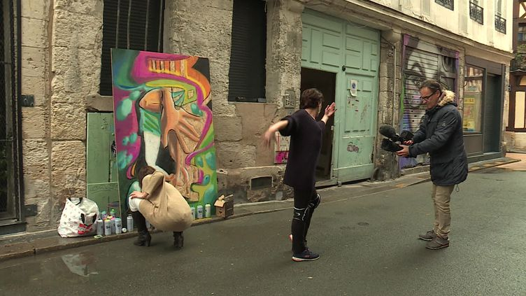 La graffeuse Emma Poppy et la danseuse Kazoo (France 3 Normandie)