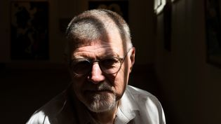 Le romancier sud-africain Deon Meyer (Stellenbosch, près du Cap, le 23 janvier 2020) (RODGER BOSCH / AFP)