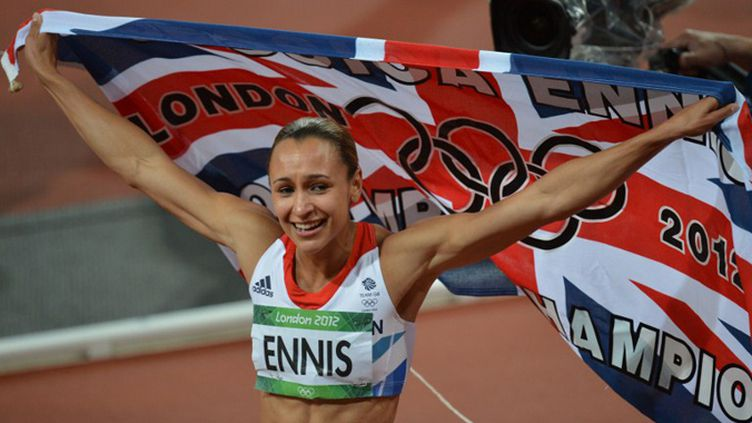 Jessica Ennis après son titre olympique à Londres en 2012 (BEN STANSALL / AFP)