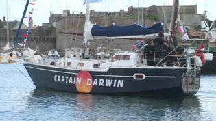 L'équipage du Mukti à bord du Captain Darwin part refaire le voyage de Beagle de Charles Darwin (France 3 Bretagne)
