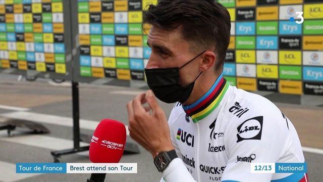 Tour de France : les coureurs présentés à Brest pour lancer la Grande Boucle