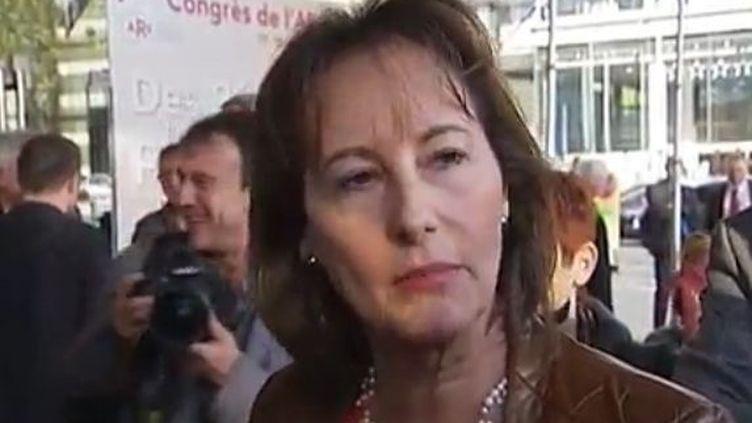 La présidente de Poitou-Charentes, Ségolène Royal, à Tours (Indre-et-Loire), jeudi 17 novembre 2011. (FTVi)