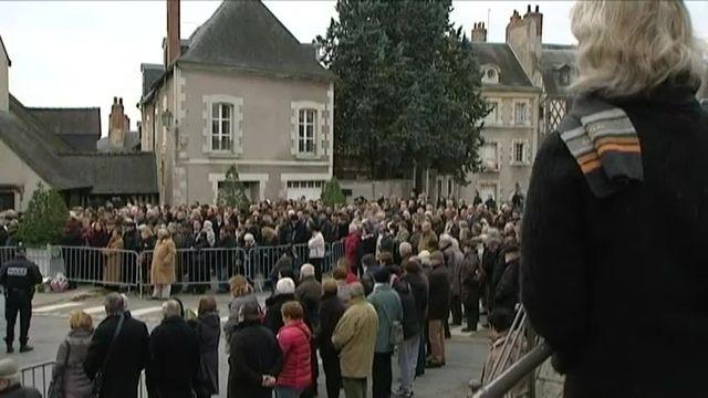 A Blois, silence et émotion lors des obsèques des jeunes sœurs Anna et Marion