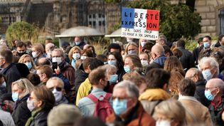 Un rassemblement en hommage à Samuel Paty à Lille, le 18 octobre 2020. (SYLVAIN LEFEVRE / HANS LUCAS)