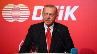 Le président turc,Recep Tayyip Erdogan, le 14 octobre 2019 à Bakou, en Azerbaïdjan. (HALIL SAGIRKAYA / ANADOLU AGENCY / AFP)