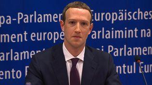 Mark Zuckerberg devant leschefs de groupes politiques duParlement européen, à Bruxelles (Belgique) le 22 mai 2018. (EBS / AFP)