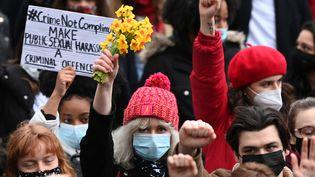Manifestation en hommage à Sarah Everard et hostile à la police, le 14 mars à Londres (Royaume-Uni) (DANIEL LEAL-OLIVAS / AFP)