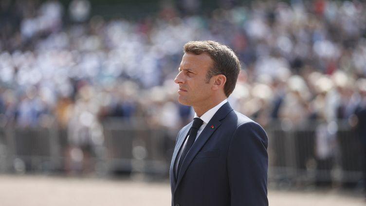 Emmanuel Macron commémore le 81e anniversaire de l'appel du 18 juin au Mont-Valérien dans les Hauts-de-Seine. (THIBAULT CAMUS / POOL)