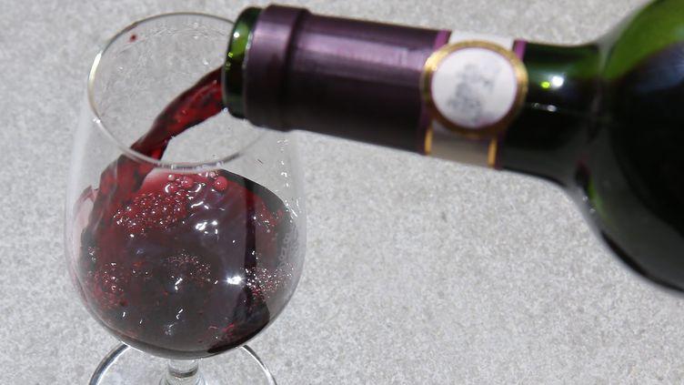 S'arrêter de boire peut prendre de longues années...La chanson en témoigne (MAXPPP)