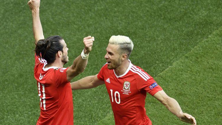 Gareth Bale et Aaron Ramsey portent la sélection galloise (PHILIPPE LOPEZ / AFP)