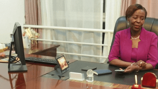 Louise Mushikiwabo, ministre des Affaires étrangères du Rwanda, candidate au poste de Secrétaire générale de l'organisation de la Francophonie (CAPTURE ECRAN FRANCE 3)