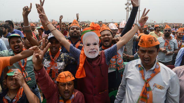 Des partisans du BJP à Siliguri, en Inde. (DIPTENDU DUTTA / AFP)