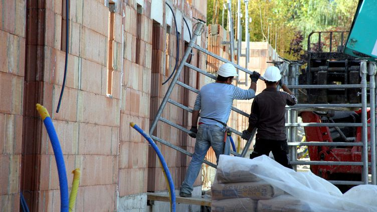 Travailleurs détachés dans le bâtiment (JULIO PELAEZ / MAXPPP)