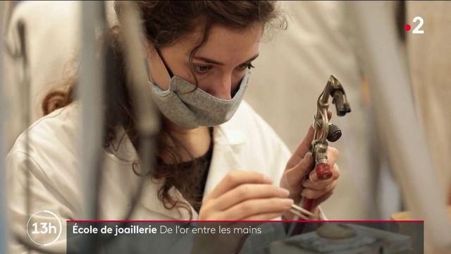 Artisanat : en Bretagne, l'école Tané forme les orfèvres et joailliers de demain