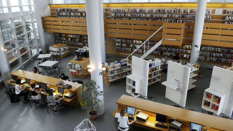 Le syndicat étudiant affirme que 31 universités françaises demandent des frais supplémentaires illégaux à leurs étudiants lors de l'inscription. (ALAIN LE BOT / AFP)