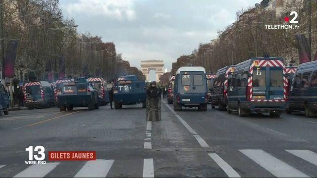 """""""Gilets jaunes"""" : fouilles et interpellations massives à Paris"""