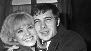 Guy Bedos et Sophie Daumier, lors de leur mariage le 19 février 1965 à Paris  (AFP)