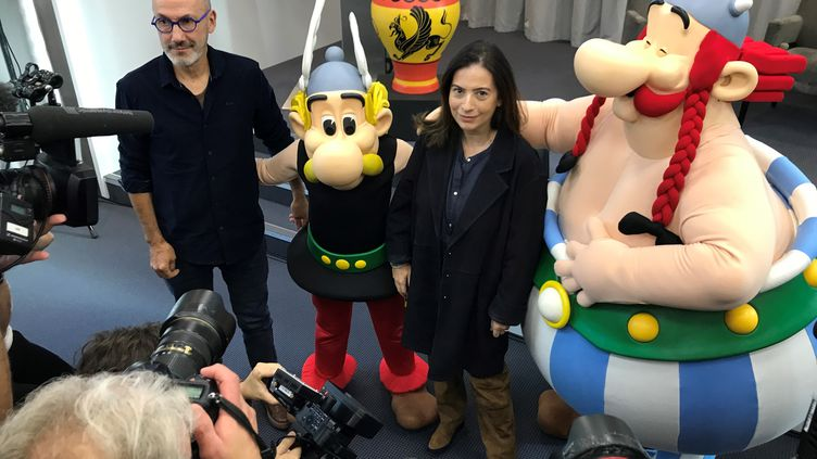 Le scénariste Jean-Yves Ferri et Anne Goscinny pour la conférence de presse d'Astérix et le Griffon, 39e et nouvel album (Vanves, Oct. 2021). (Francis Forget)