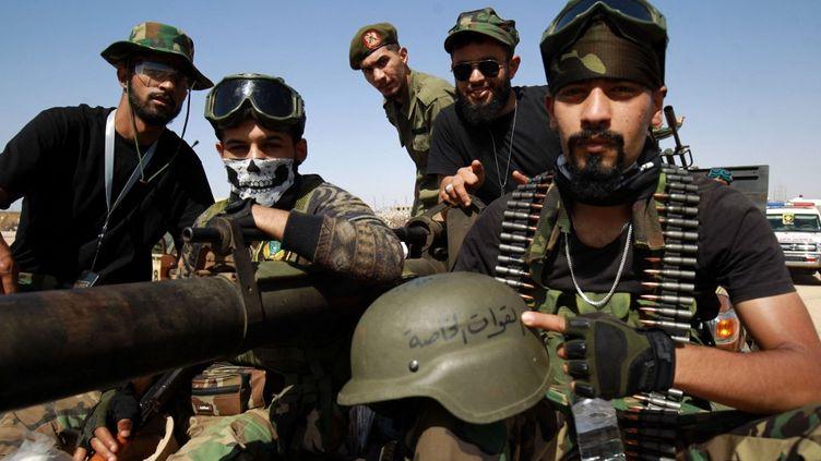 Des combattants de l'auto-proclamée Armée nationale libyenne(LNA), les forces de l'Est libyen, le 18 juin 2020. (ABDULLAH DOMA / AFP)