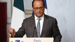 François Hollande s'exprime devant la presse, le 3 septembre 2015, à l'Elysée, à Paris. (BENOIT TESSIER / REUTERS)