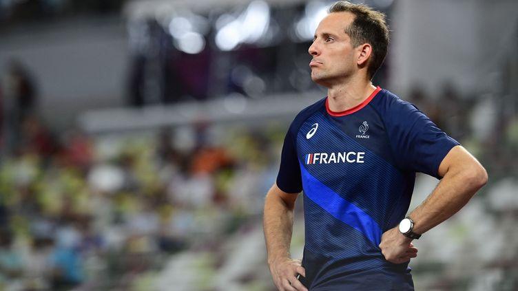 La déception de Renaud Lavillenie, éliminé du concours de la perche aux Jeux Olympiques de Tokyo. (CURUTCHET VINCENT / KMSP / AFP)