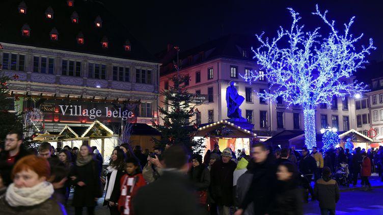 Le marché de Noël de Strasbourg, photographié le 28 novembre 2014. (MAXPPP)