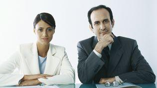 Une femme et un homme recrutent un candidat ou une candidate. Photo d'illustration. (SIGRID OLSSON  / MAXPPP)