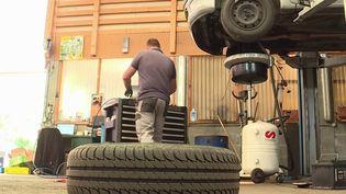 Montagne: les pneus neige bientôt imposés dans 48 départements (France 3)