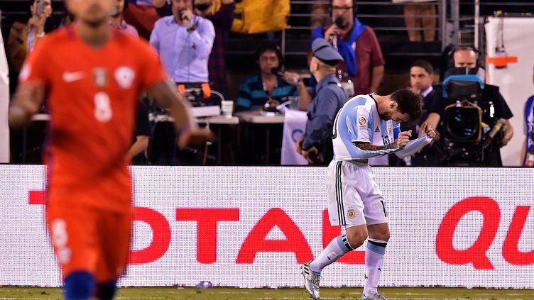 Lionel Messi, déçu, lors de la finale de la Copa America 2016 (NICHOLAS KAMM / AFP)