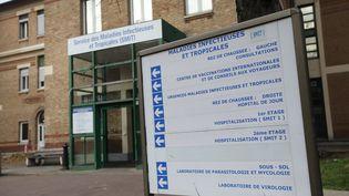 Le service des maladies infectieuses de l'hôpital Bichat à Paris a accueilli dès le début de l'épidémie les patients atteints de Covid-19 en France. (ARNAUD JOURNOIS / MAXPPP)