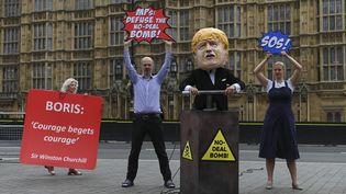 Des manfestants devant le Parlement britannique, mardi 3 septembre 2019. (DANIEL LEAL-OLIVAS / AFP)