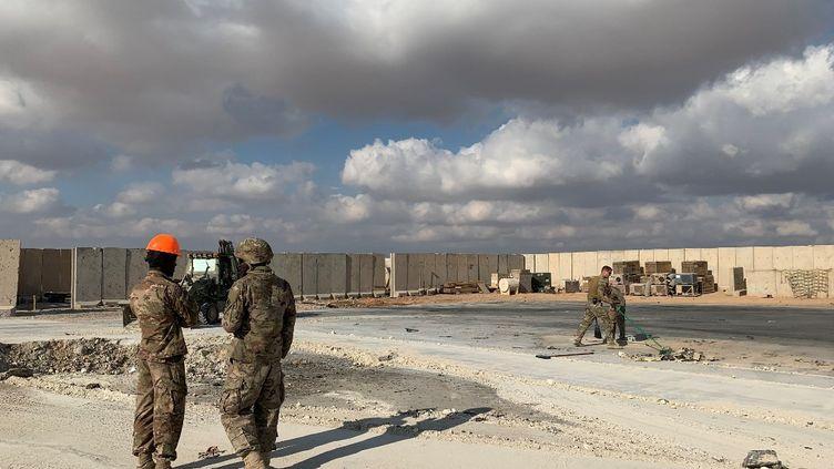 Des soldats américains dans la province irakienne d'Anbar, le 13 janvier 2020. (AYMAN HENNA / AFP)