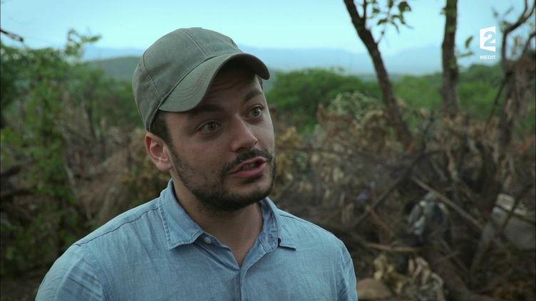 """Kev Adams, en Ethiopie, dans l'émission """"Rendez-vous en terre inconnue"""", diffusée le 5 décembre 2017 sur France 2. (FRANCE 2)"""