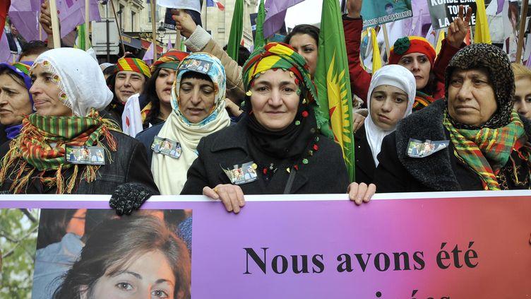 Des milliers de Kurdes manifestent à Paris un an après un triple meurtre, le 11 janvier 2014. (CITIZENSIDE / PATRICE PIERROT)