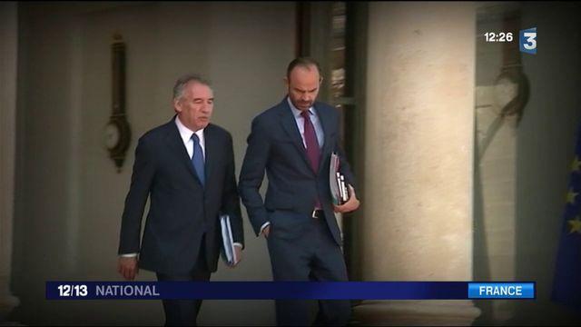 Gouvernement : Bayrou et Sarnez s'en vont