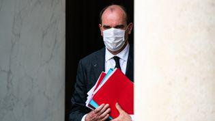 Le Premier ministre Jean Castex à la sortie du conseil des ministres, au palais de l'Élysée, le 28 avril 2021. (XOSE BOUZAS / HANS LUCAS / AFP)