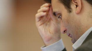 """Le vice-président de l'Assemblée nationale, Florian Philippot, assiste à une conférence sur le thème """"la France face au défi du terrorisme"""", le 10 avril 2017. (BENJAMIN CREMEL / AFP)"""