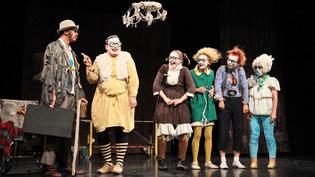 La troupe de clowns russes Semianyki. (TROUPE SEMIANYKI)