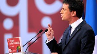 Le Premier ministre Manuel Valls livre un discours, le 6 juin 2015, au congrès du PS à Poitiers (Vienne). (GUILLAUME SOUVANT / AFP)
