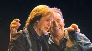 Paul McCartney et Bruce Springsteen à Hyde Park (Londres) en 2012.  ( Giovanni Canitano/Rex/SIPA)