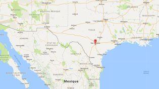 Huit cadavresont été découverts dans une remorque de camion au Texas, dimanche 23 juillet, annoncent les autorités de la ville de San Antonio. (GOOGLE MAPS / FRANCEINFO)