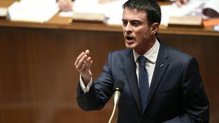 Le Premier ministre Manuel Valls à l'Assemblée nationale, à Paris, le 8 décembre 2015. (ERIC FEFERBERG / AFP)