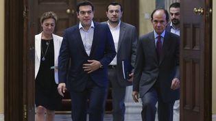 Le Premier ministre grec, Alexis Tsipras, arrive à une réunion avec des dirigeants de partis grecs, le 6 juillet 2015, au palais présidentiel, à Athènes. ( ALKIS KONSTANTINIDIS / REUTERS)